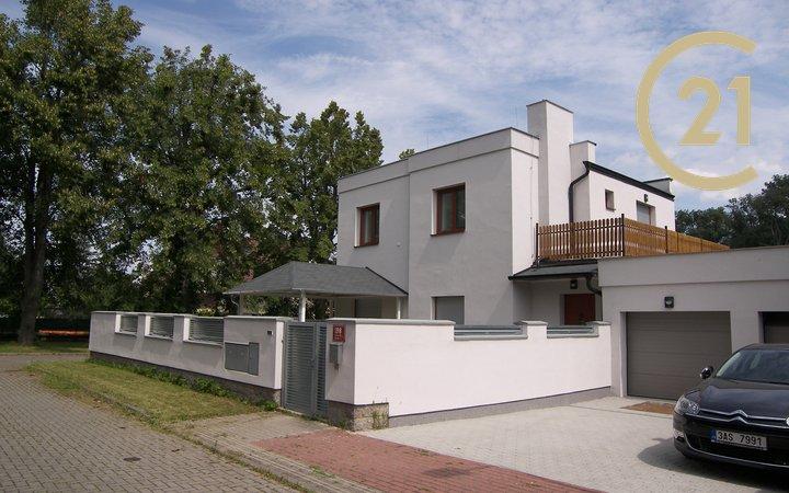 Pronájem rodinného domu 320m², pozemek 284m² Drahelická, Praha 9 - Satalice