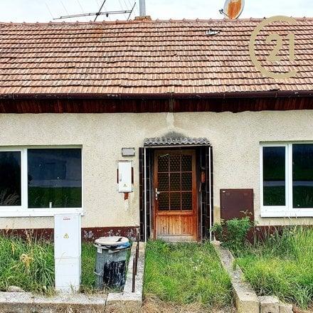 Prodej rodinného domu Těšany, se zahradou, ke kompletní rekonstrukci či demolici