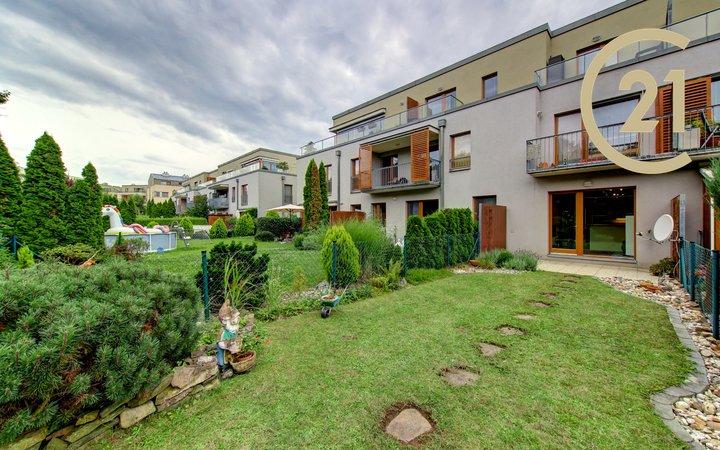 2+kk, 45m² + zahrada, garáž, Praha 5 - Zbraslav