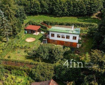 Prodej chaty 74m² se zahradou 700m² - nedaleko Křivoklátu - Újezd nad Zbečnem