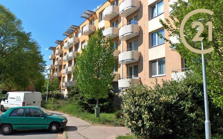 Pronájem bytu 2+1 s balkonem a lodžií ve Šlapanicích