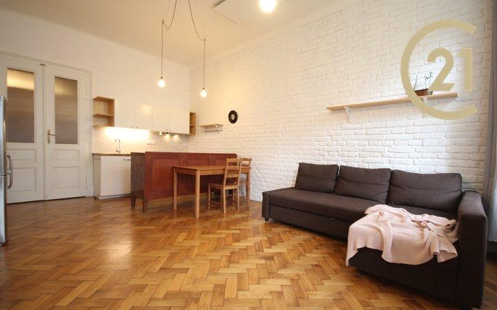 Pronájem, Byt 2+KK 50m² + balkon ulice Veveří