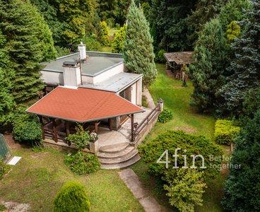 Prodej chaty 93 m² (zastavěná plocha včetně terasy) se zahradou 1423 m², přímo u Labe - Oseček