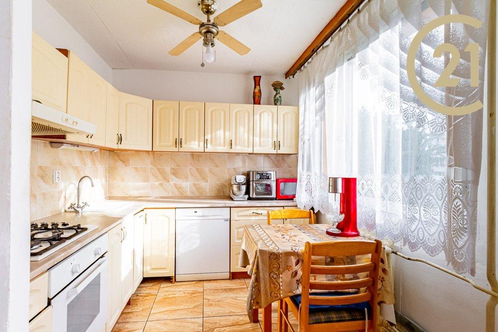 nabízí, prodej, byty 2+1 Francouzská 2465, Kladno