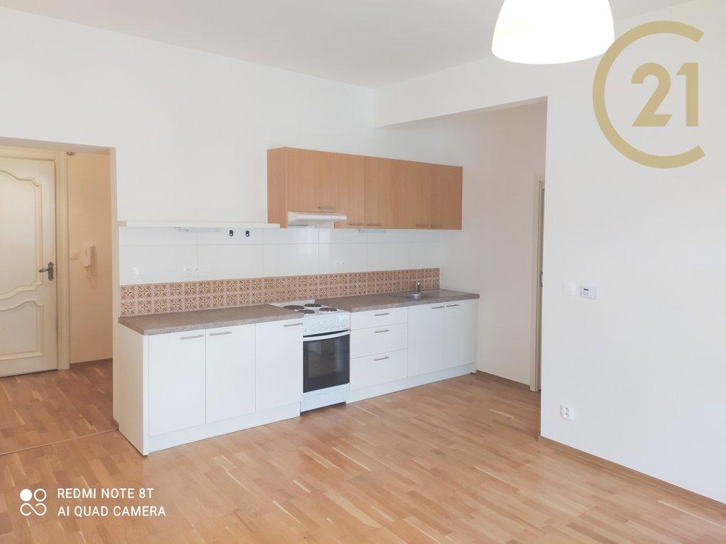Pronájem bytu 2+kk Praha - Břevnov