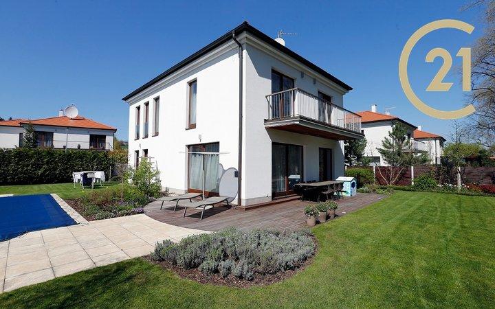Prodej Rodinný dům 4+kk/ G/S/B 180 m² - zahrada  529 m² - Statenice (Praha Západ)