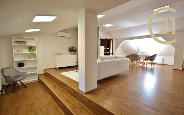 Prodej prostorného bytu 4+kk, 118 m2