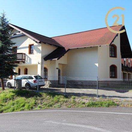 Exkluzivní prodej RD se 4 samostatnými apartmány v Desné v Jizerských horách.