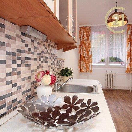 Pronájem zrekonstruovaného bytu 3+1 s lodžií, 82m² - Praha 6 Řepy