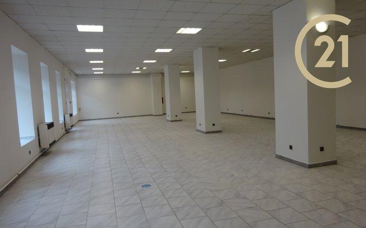 Pronájem obchodní prostor 220 m² - Holešov