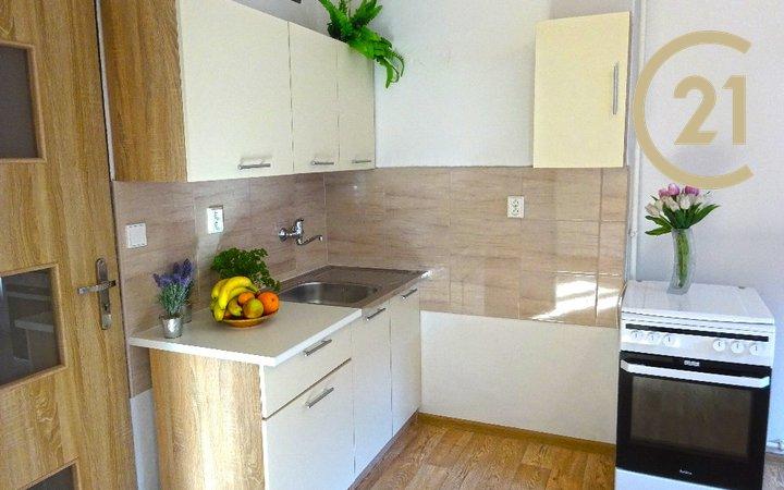 Pronájem bytu 1+1, 42m² - Hulín
