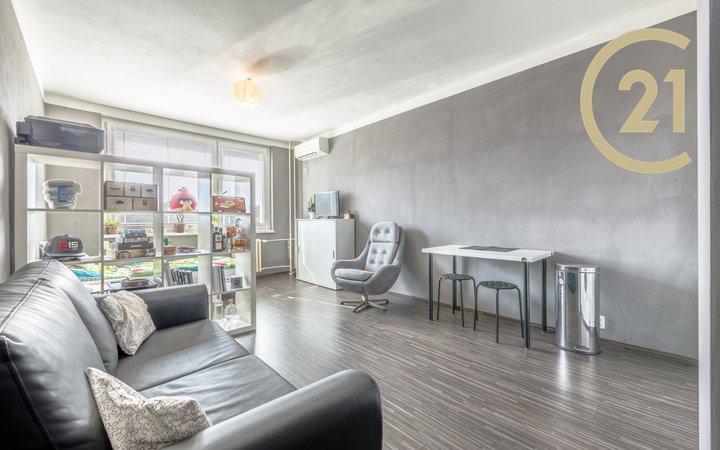 Prodej, Byt 1+kk s komorou, 32m² - Praha