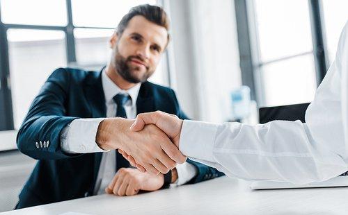 Realitní síť CENTURY 21 uzavřela partnerství s poradenskou společností 4fin