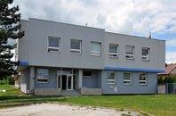 Pronájem samostatné administrativní budovy s vlastním parkováním a pozemkem Česká Lípa