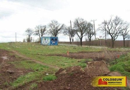 Prodej pozemku v lokalitě Babice u Rosic, okres Brno-venkov - obrázek č. 1