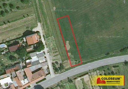 Prodej pozemku v lokalitě Uherský Ostroh, okres Uherské Hradiště - obrázek č. 1