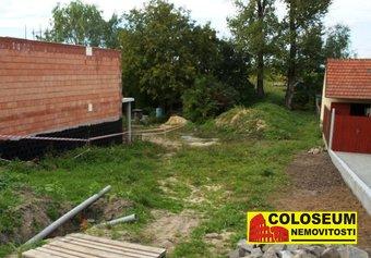 Prodej pozemku v lokalitě Blažovice, okres Brno-venkov - obrázek č. 1