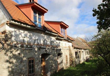 Prodej komerčních prostor v lokalitě Znojmo, okres Znojmo - obrázek č. 1