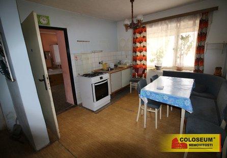 Prodej domu v lokalitě Střelice, okres Znojmo - obrázek č. 1