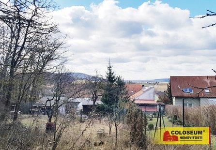 Prodej pozemku v lokalitě Čebín, okres Brno-venkov - obrázek č. 1