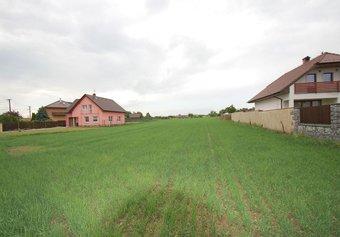Prodej pozemku v lokalitě Rapotice, okres Třebíč - obrázek č. 1