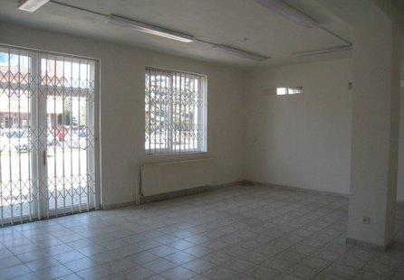 Pronájem komerčních prostor v lokalitě Jedovnice, okres Blansko - obrázek č. 1