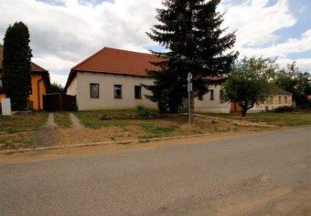 Prodej domu v lokalitě Starý Petřín, okres Znojmo - obrázek č. 1