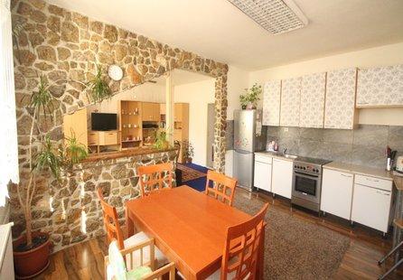 Prodej domu v lokalitě Běhařovice, okres Znojmo - obrázek č. 1