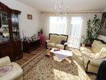 Šatov, RD 5+1 , 925 m2,  –  dvůr, nová střecha, rodinný dům - Domy Znojmo