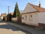 Horní Dubňany, RD 2+1 , 1068 m2, zahrada, dvůr  –   rodinný dům - Domy Znojmo