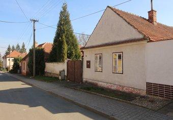 Prodej domu v lokalitě Horní Dubňany, okres Znojmo - obrázek č. 1