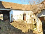 Trstěnice, RD 3+1, pozemek 346 m2, k rekonstrukci, sklípek - rodinný dům - Domy Znojmo