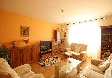 Prodej bytu v lokalitě Dobšice, okres Znojmo - obrázek č. 1
