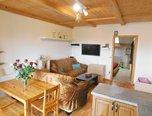 Hustopeče, RD 2x 3+kk a 2+kk, pozemek 478 m2, zahrada, k bydlení nebo podnikání - rodinný dům - Komerční Břeclav