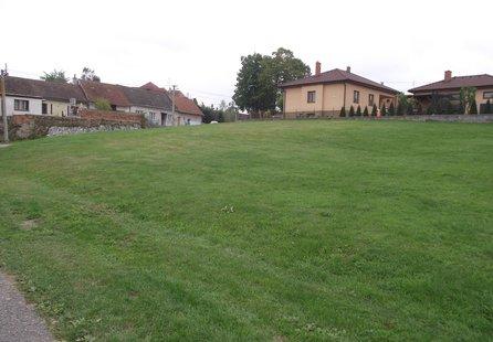 Prodej pozemku v lokalitě Častohostice, okres Třebíč - obrázek č. 1