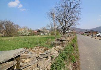 Prodej pozemku v lokalitě Paseka, okres Olomouc - obrázek č. 1