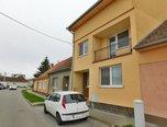 Hustopeče, RD 2x 3+kk a 2+kk, pozemek 478 m2, zahrada, k bydlení nebo podnikání - rodinný dům - Domy Břeclav