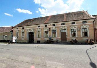 Prodej komerčních prostor v lokalitě Vratěnín, okres Znojmo - obrázek č. 1