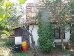 Brno-Líšeň, Chata 2+kk, 934 m2 zahrada, elektřina, sklep, ovocná zahrada - chata - Domy Brno