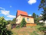 Troubsko, Chata 2+1, 651 m2 zahrada, garáž, možnost stavebních úprav pro celoroční obývání - chata - Domy Brno-venkov