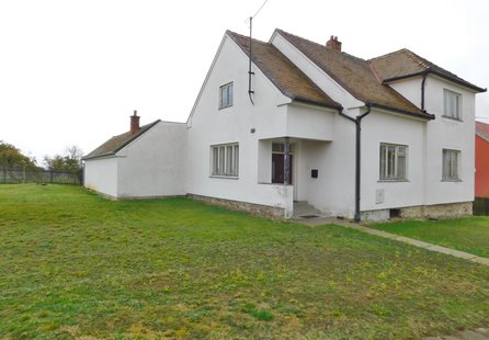 Prodej domu v lokalitě Litostrov, okres Brno-venkov - obrázek č. 1