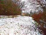 Brno – Obřany, zahrada, 771 m2, chatka, možnost studny – pozemek - Pozemky Brno