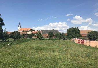 Prodej pozemku v lokalitě Výšovice, okres Prostějov - obrázek č. 1