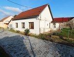 Dyjákovice, RD 4+1 , 529 m2, zahrada, dvůr  –   rodinný dům - Domy Znojmo