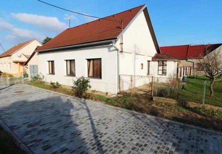 Prodej domu v lokalitě Dyjákovice, okres Znojmo - obrázek č. 1