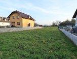 Kožušany-Tážaly, stavební parcela, 2050 m2, sítě – pozemek - Pozemky Olomouc