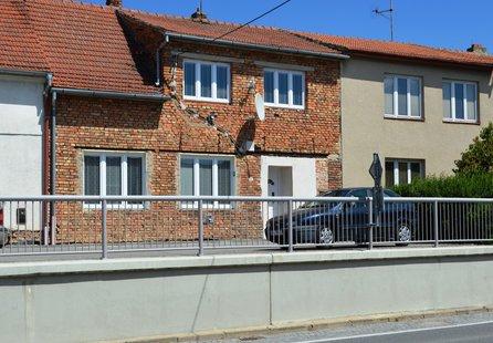 Prodej domu v lokalitě Starovičky, okres Břeclav - obrázek č. 1