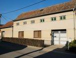 Němčany, RD 2+1, dva dvory, dva sklepy, garáž, dílna – rodinný dům - Domy Vyškov