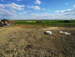Loděnice, pozemek 1328 m2 k výstavbě objektu k bydlení, IS na hranici pozemku, stavební povolení RD 4+kk - pozemek - Pozemky Brno-venkov