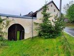 Strachujov - hospodářská usedlost 4+2, pozemek 559 m2 - rodinný dům - Domy Žďár nad Sázavou